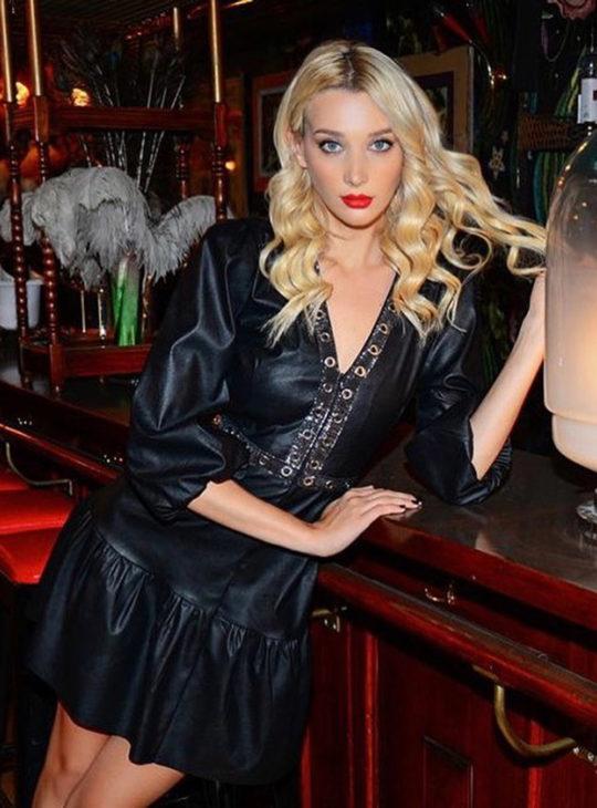 Γυναικεία ρούχα  WE COSS Φόρεμα από δερματίνη σε μαύρο χρώμα  Online Κατάστημα